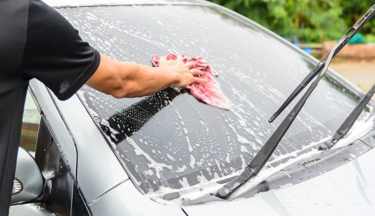 5 Ways to Keep Your Car Clean in Between Washes